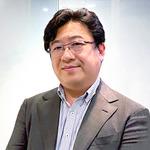 取締役からシニアWebディレクターへ。独自の「武器」を持つ会社で仕事の幅を広げる —— 菅井邦夫さん(43歳・男性)
